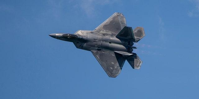 U.S. F-22 fighter jets intercept Russian bombers near Alaska