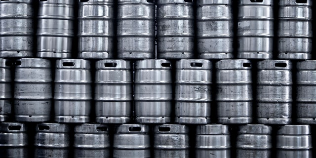 According to the outlet, while brewers that sellpackaged beer in cans and bottles are selling their inventory just fine.