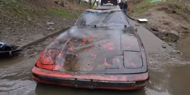 Divers find classic Ford Mustang among 9 cars dumped in Portland river  Fox News