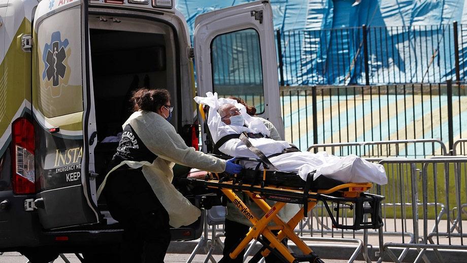 Coronavirus infections in the US surpass 400,000 mark after suffering deadliest day yet