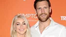 Julianne Hough comments on Brooks Laich's 'thirst trap' pic amid reports they want each other back