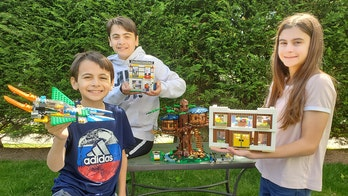 Long Island siblings teach kids how to build with Legos to ease coronavirus boredom