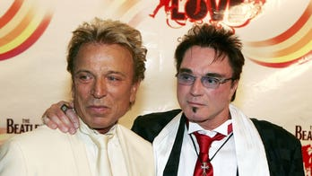 Magician Roy Horn of Siegfried & Roy dead at 75 from COVID-19 complications