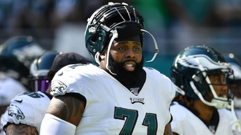 All-Pro offensive lineman Jason Peters hopes to play into his 40s: report