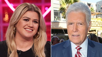 Daytime Emmys: Alex Trebek, 'The Kelly Clarkson Show' among nominees