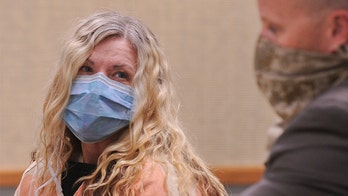 'Cult mom' Lori Vallow's ex-husband sued her years ago for allegedly hiding their daughter: report
