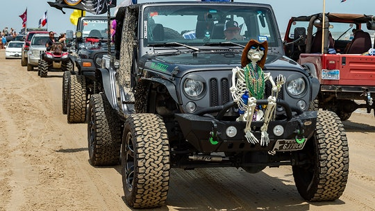 Texas' 'Go Topless Jeep Weekend' ends in nearly 100 arrests