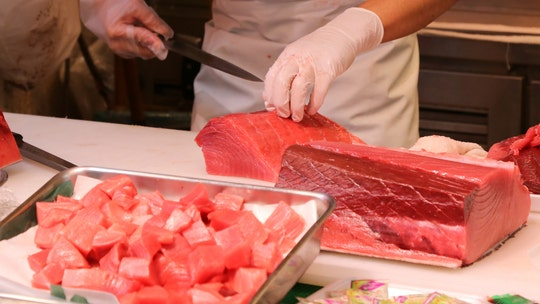 Hawaii fishermen catch 220-pound tuna, donate fish to 'grateful' frontline workers