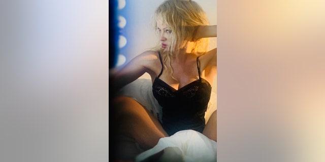 Pamela Anderson tells Fox her wardrobe consists of 'silks, slips and sweaters.'