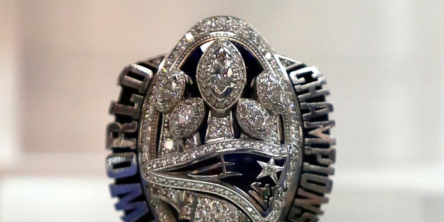 Patriots owner Kraft's Super Bowl ring sells for $1.025 million