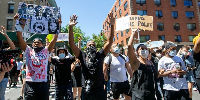 Westlake Legal Group AP20151715003257 Hundreds of NYC protesters demand justice for George Floyd a day after violent riots Lucia Suarez Sang fox-news/us/us-regions/northeast/new-york fox-news/us/new-york-city fox-news/us/crime/police-and-law-enforcement fox-news/person/george-floyd fox-news/person/bill-de-blasio fox news fnc/us fnc article 90f99a8f-2a4b-53e1-b86e-dd8f1115f3a6