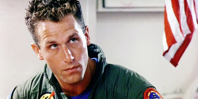 Rick Rossovich as Lt. Ron 'Slider' Kerner.