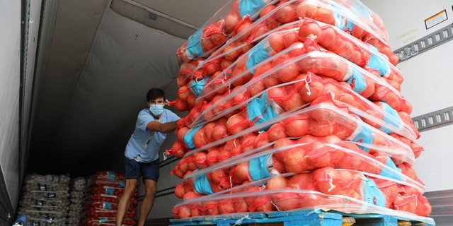 A shipment of onions was delivered from farms to a food bank in need amid the coronavirus pandemic.