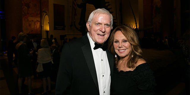 Phil Donahue and Marlo Thomas attend old Spring Harbor Laboratory's Double Helix Medals at the American Museum of Natural History on December 1, 2016, in New York City.
