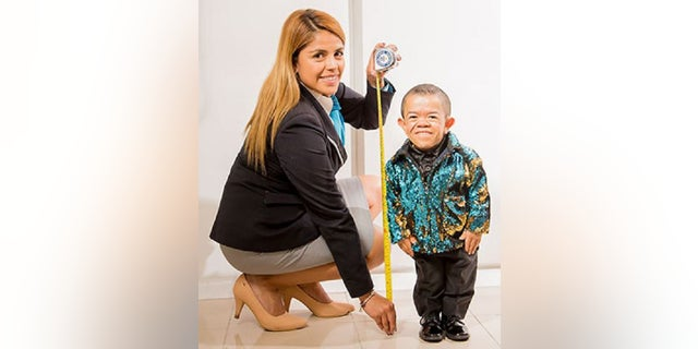 Westlake Legal Group Guinness World's shortest man regains crown after previous Guinness record holder dies Louis Casiano fox-news/travel/regions/south-america fox-news/odd-news fox news fnc/health fnc ffab5000-cde5-550c-a890-1c4b848b08e2 article