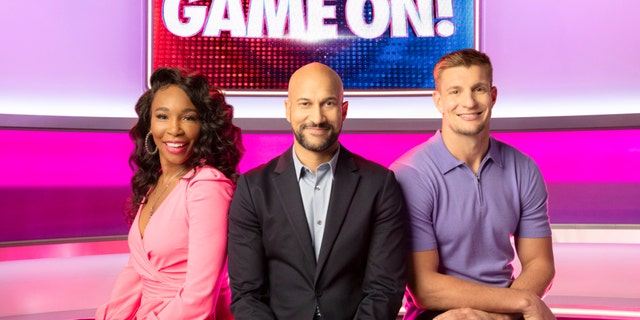 'Game On!' host Keegan Michael-Key (center), and team captains Venus Williams (left) and Rob 'Gronk' Gronkowski (right).聽