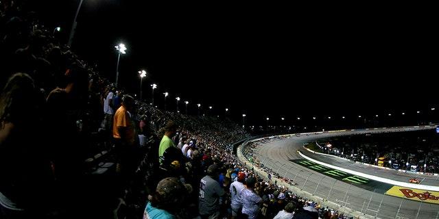 Darlington Raceway has a capacity of 47,000 spectators.