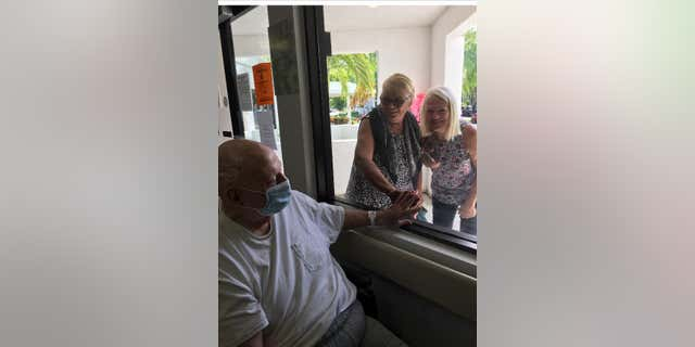 A family visit at Lakeview.