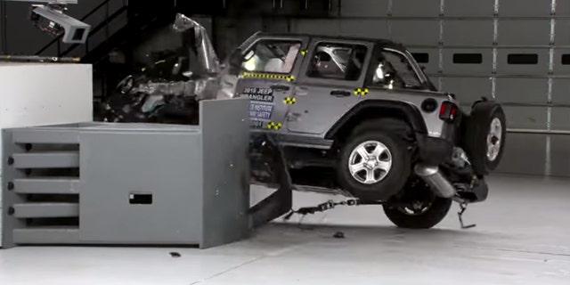 Jeep Wrangler flips twice during IIHS crash testing