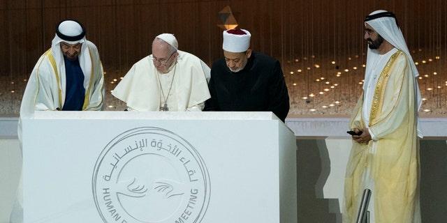 Sheikh Ahmed el-Tayeb, Grand Imam of Al-Azhar and Pope Francis (AETOSWire)