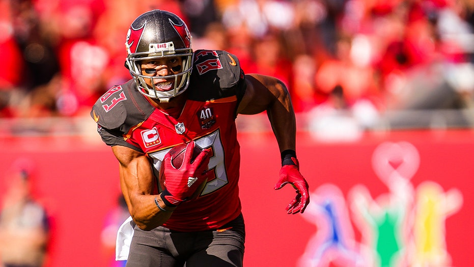 Former NFL player Vincent Jackson suffered from 'chronic alcoholism,' possibly CTE, sheriff says
