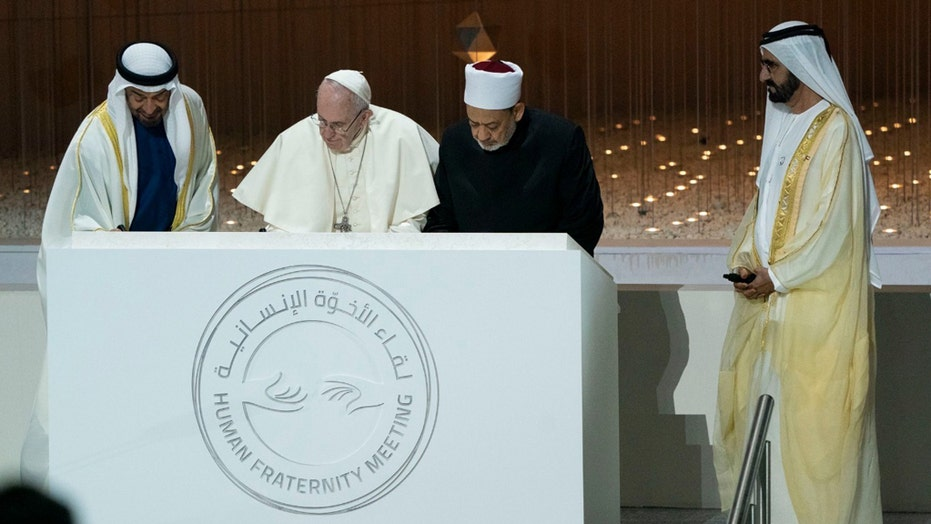 Pope calls for solidarity in Easter message amid COVID-19 pandemic