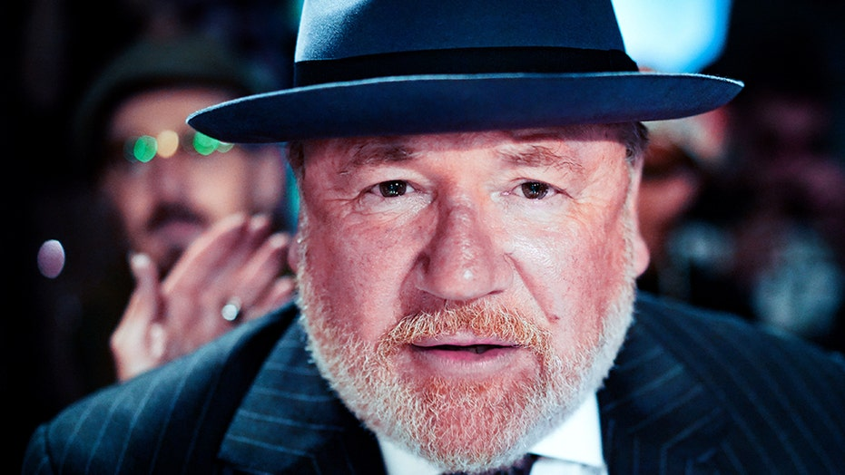 Ray Winstone Says He S Been Stranded In Italy Amid Coronavirus For Weeks Calls Language Barrier Difficult Fox News Photo ajoutée le 19 septembre 2006 |copyright tfm distribution stars jack nicholson, leonardo dicaprio, ray winstone description leonardo dicaprio, ray winstone et jack nicholson. ray winstone says he s been stranded in