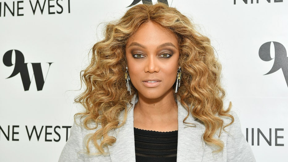 Tyra Banks wants the word 'smize' added to the dictionary