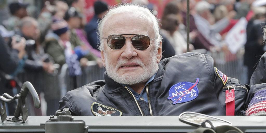 Buzz Aldrin picks Arizona Republican McSally over fellow astronaut Kelly