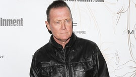 Robert Patrick denounces 'angry mobs' who are destroying people's businesses