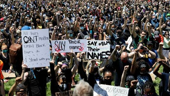 Could George Floyd protesters cause a spike in coronavirus cases? Johns Hopkins doctor explains