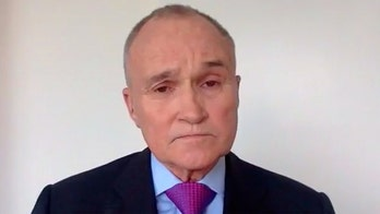 Former NYPD commissioner: Mayor de Blasio is 'surrendering' to violent crime