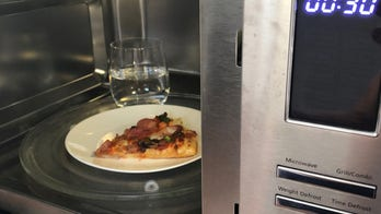 Domino's shares pizza reheating hack to prevent sogginess; pizzeria owner not convinced