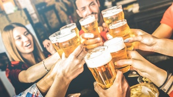 Moderate drinkers still at higher risk for cancer, early death, alcohol study claims