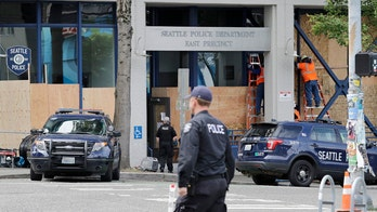 Seattle police officers' exit interviews site lack of support, 'political agenda': report