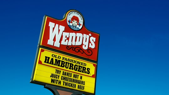 Man smashes Wendy's drive-thru window after getting a burger with no mustard on it: report