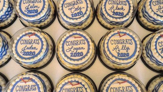 Minnesota bakery donates 800-plus cakes to 2020 high school grads