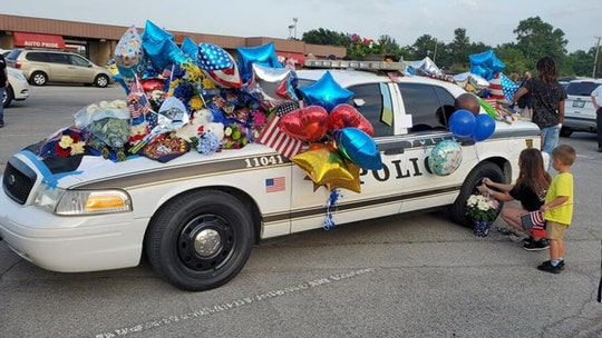 Tulsa community rallies support for 2 officers shot during traffic stop with prayers, flowers