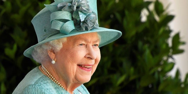 The Queen's surprising last-minute plan to move to Sandringham revealed