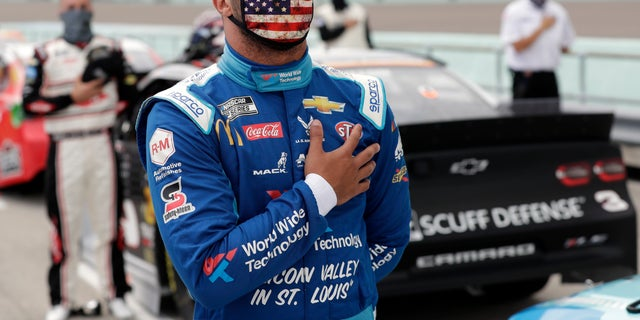 Westlake Legal Group AP20166712636365 Noose found hanging in Bubba Wallace's garage stall at Talladega, NASCAR says fox-news/us/us-regions/southeast/alabama fox-news/sports fox-news/auto/nascar fox-news/auto fox news fnc/auto fnc ef047341-7457-5ddd-867c-65882ce9e2d7 David Aaro article