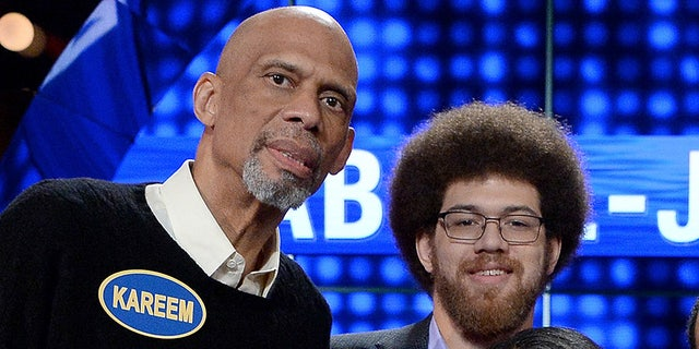 Family members from the NBA's all-time leading scorer and six-time NBA champion Kareem Abdul-Jabbar will take on retired NBA Legend Ralph Sampson and his family. (Getty/ 2017)