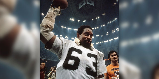Gene Upshaw #63 of the Oakland Raiders celebrates after they defeated the Philadelphia Eagles in Super Bowl XV at the Louisiana Superdome January 25, 1981 in New Orleans, Louisiana. The Raiders won the Super Bowl 27-10. (Photo by Focus on Sport/Getty Images)