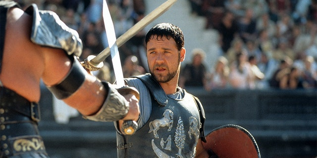 Russell Crowe: Should have given more time to kids
