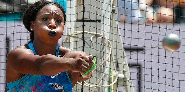 FILE - In questo maggio 21, 2017, file di foto, Gwen Berry, of the United States, competes in the women's hammer throw at the Golden Grand Prix athletics meet in Kawasaki, near Tokyo. (AP Photo/Shizuo Kambayashi, File)