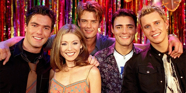 Kelly Ripa and Josh Duhamel (third from left) in 'All My Children.'