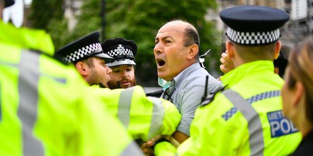 Boris Johnson's auto 'crashed into motorbike' during Kurdish protest in London