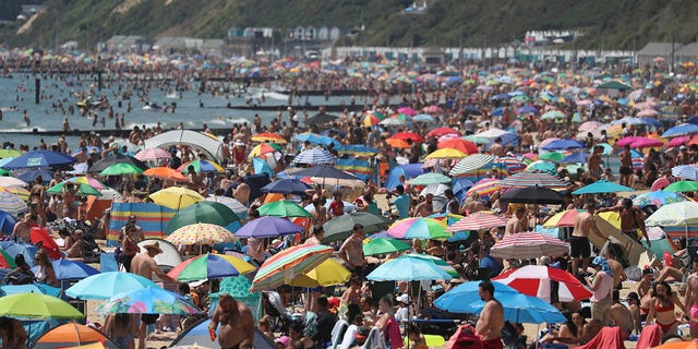 Coronavirus: Sun-seekers spark emergency incident at British beach