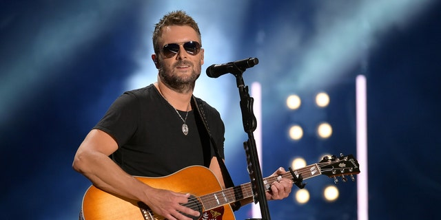 Eric Church performs on stage during day 2 vir die 2019 CMA Music Festival on June 7, 2019 in Nashville, Tenn. (Getty Images)