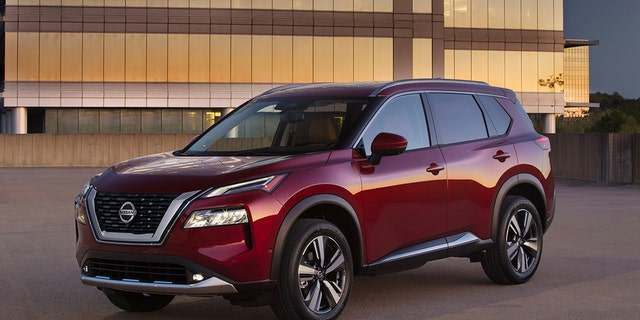 Nissan Rogue introduced with new look, speed-limiting tech