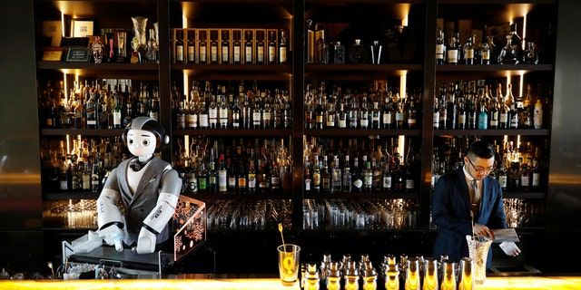 South Korean bar hopes robot bartender will alleviate social distancing anxieties